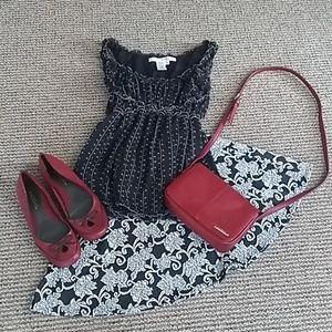 Max Studio size M B&W sleeveless blouse #M00015T
